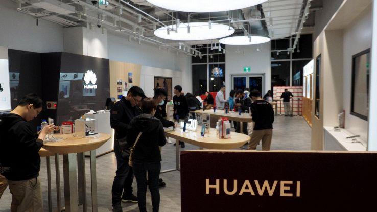 Cina, mercato smartphone in recessione