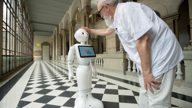 Robot umanoidi negli ospedali italiani