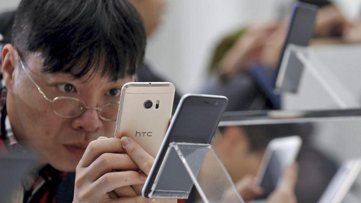 Mercato smartphone in caduta nel 2019