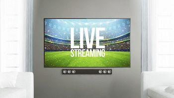 televisore che trasmette una partita in streaming