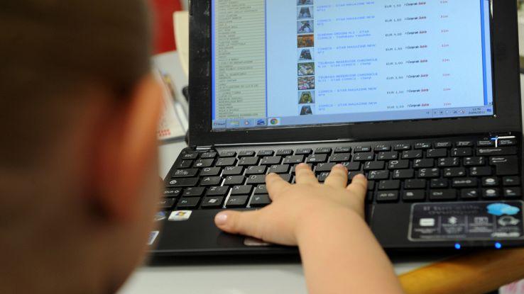 Unicef, in Italia 90% giovani è online