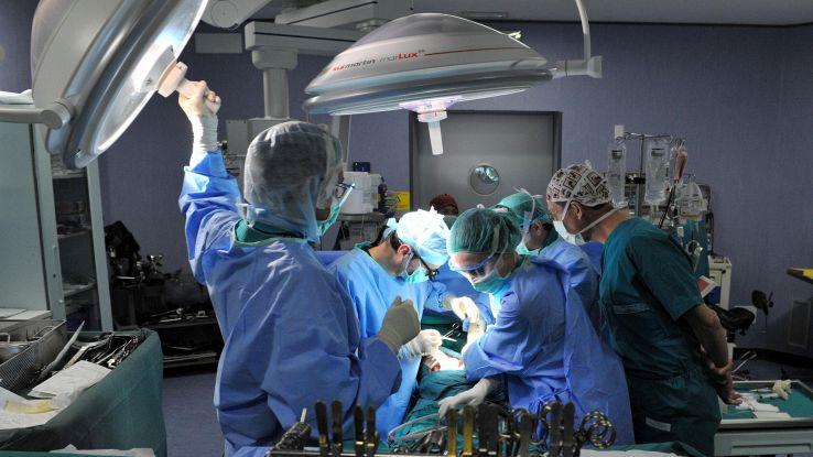 Primo impianto permanente mano robotica
