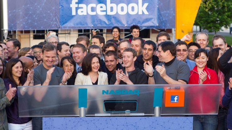 Facebook compie 15 anni