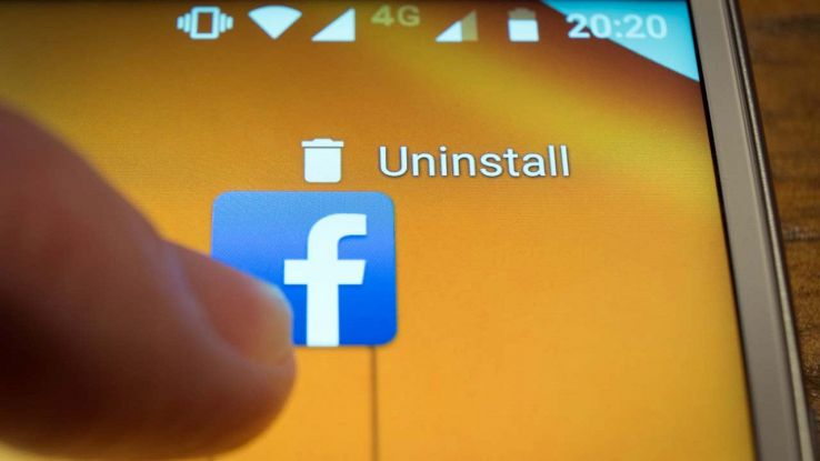 Cancellare Facebook rende felici