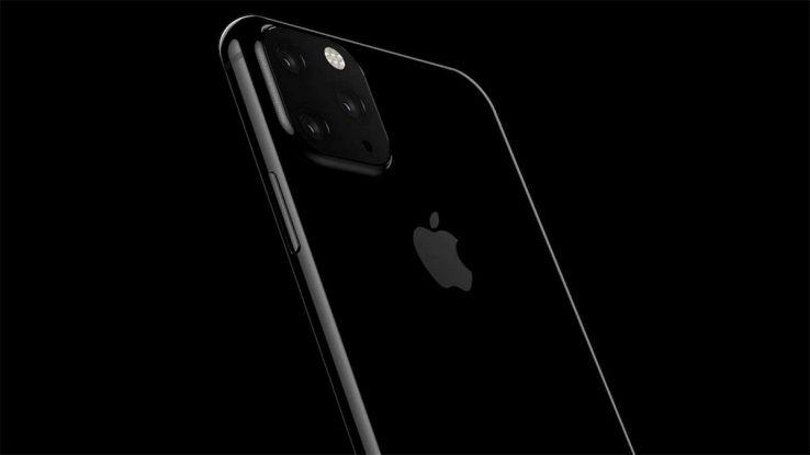 iPhone con tripla fotocamera posterio