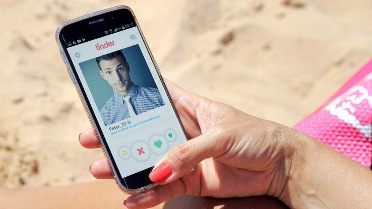 Il papà di WhatsApp spiega perché devi cancellarti da Facebooknder