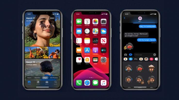 Schermata di iOS 13 con modalità scura