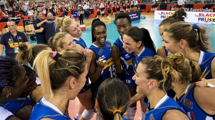 italia volley femminile festeggia la vittoria