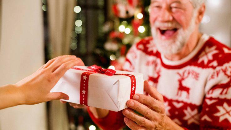 Regali di Natale tecnologici per anziani
