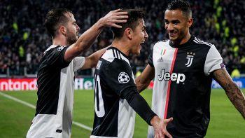 dybala festeggia gol con i compagni