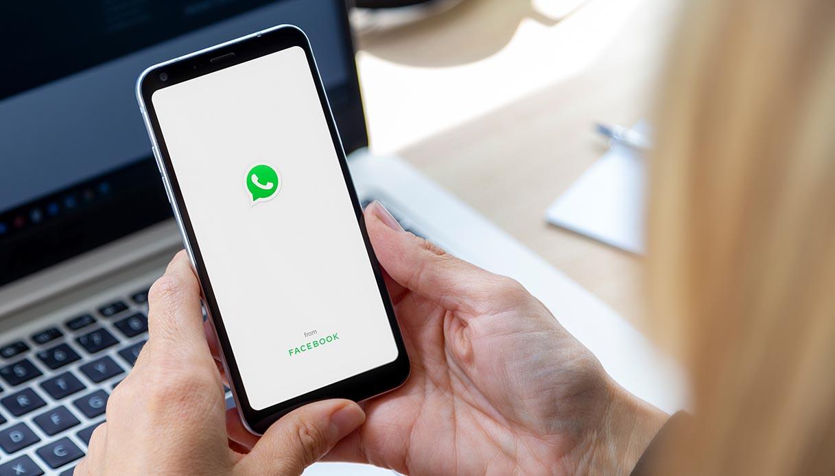 WhatsApp down, non si vede l'ultimo accesso: cosa sta succedendo ...