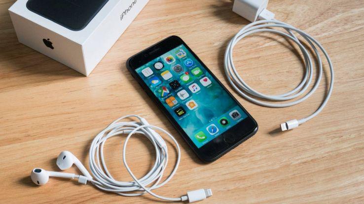 iPhone 12 auricolari caricabatterie