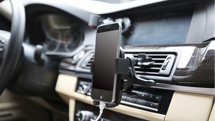 scegli il miglior portacellulare per auto