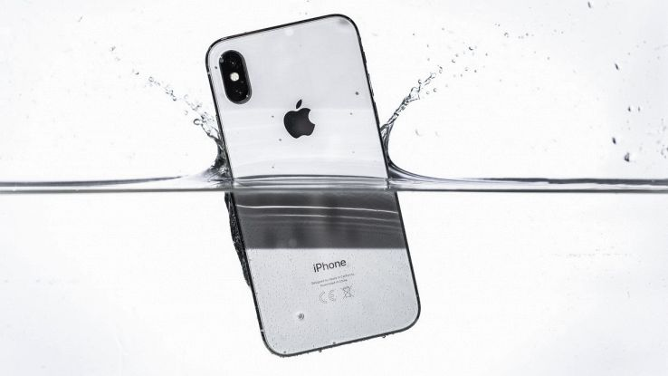 apple iphone resistenza all'acqua