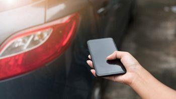 smartphone per aprire auto