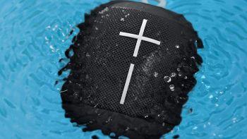 Musica in spiaggia: l'altoparlante Bluetooth a -40%