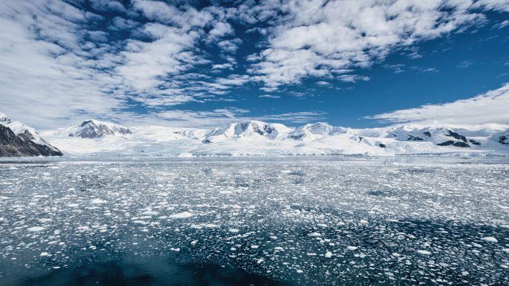 La NASA osserva i laghi in Antartide