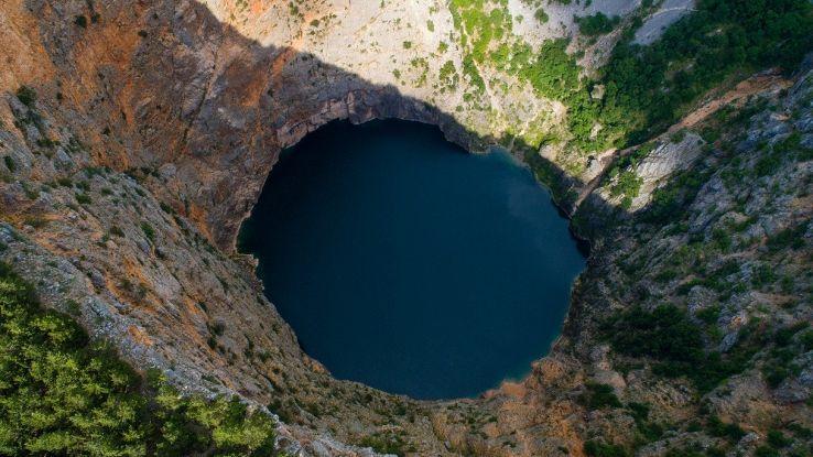 In Croazia si sono improvvisamente aperti oltre 100 buchi nel terreno
