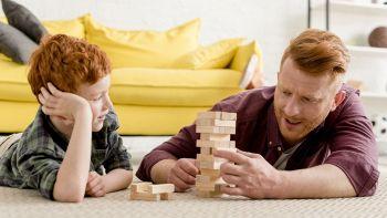 Perché giocare con i bambini fa bene soprattutto agli adulti