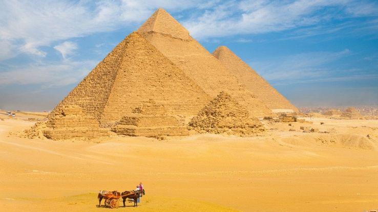 Stiamo per scoprire cosa c'è all'interno delle piramidi