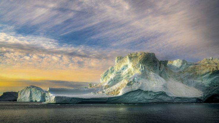 Piove per la prima volta sulla vetta della Groenlandia: perché è un problema