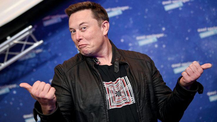 La NASA non ha le tute per la Luna? Ci pensa Elon Musk