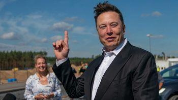 Cosa succede tra Musk e Bezos, lite infinita tra i super miliardari dello spazio
