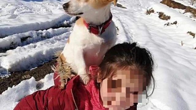L'impresa della bambina per salvare il suo cane malato