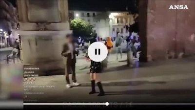 Gli aizzano contro un pitbull, carabiniere spara al cane a Milano, ragazza ferita da schegge