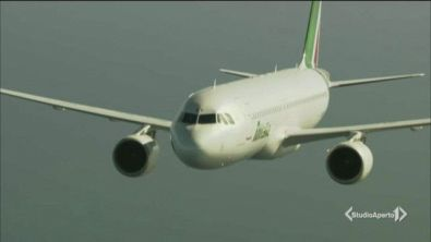 Cinque mesi per salvare Alitalia