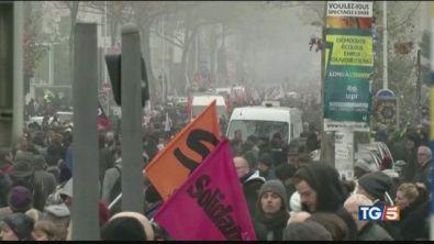 Francia in piazza. Timori black bloc