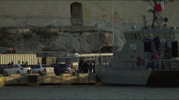 Malta, sbarcati a la Valletta 49 migranti Sea Watch e Sea Eye