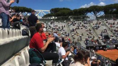 Tennis, cori e applausi: al Foro Italico è tornato il pubblico