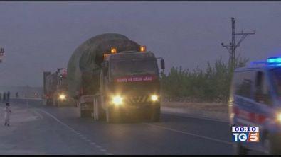 Truppe turche pronte al confine con la Siria