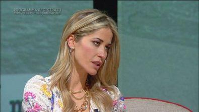 """Elena Santarelli: """"Gli haters continuano ad attaccarmi"""""""