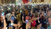 Maxi protesta a Torino contro il green pass, migliaia in piazza