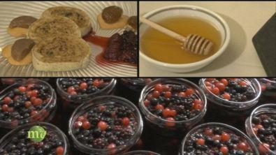 Confetture di frutta e miele a tavola