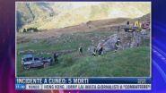 Breaking News delle 11.00 | Incidente a Cuneo: 5 morti
