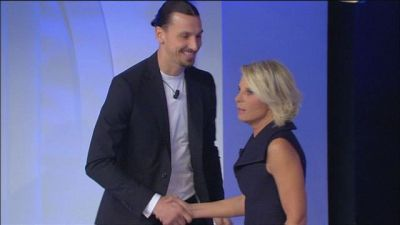 Zlatan Ibrahimovic entra in studio...