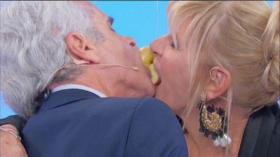 Gemma e Jean Pierre: il gioco della mela - 21 ottobre