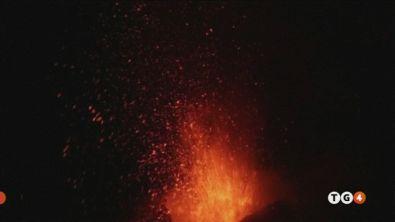 Etna, scosse continue E ora torna il gelo