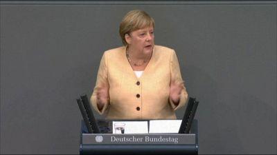 Germania, Laschet giù nei sondaggi, Merkel: lui è la via migliore