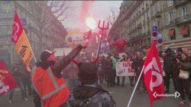 Parigi, feste di rabbia e di crisi