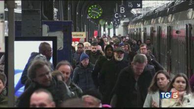 Parigi ancora nel caos