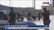 Breaking News delle 16.00 | La Ue svolta sui migranti
