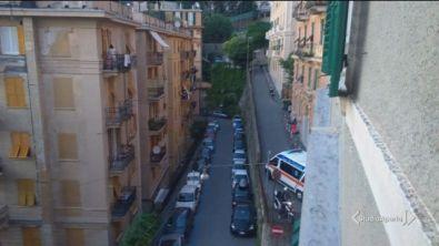 Genova, ambulanza bloccata dalle auto