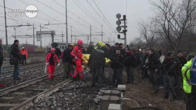 Milano, treno deragliato: parlano i testimoni