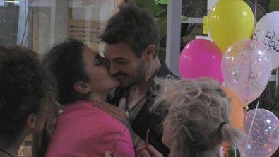 Giulia P. e Martina: vogliamo vedere il bacio