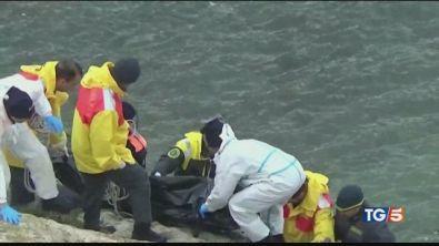 L'ennesima tragedia 5 morti e 15 dispersi