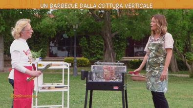 Un barbecue dalla cottura verticale